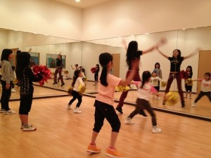 スタジオ チアダンス教室♪