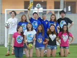 ブラジルW杯前に記念Tシャツ販売の為の撮影だそうです